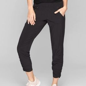 Athleta 8 Aspire Ankle Pants Black Ruched Ankle